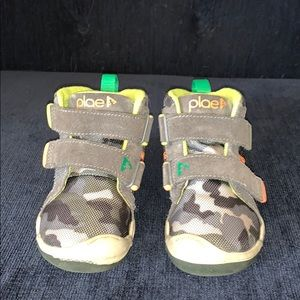 Plae high top sneakers for toddler boy